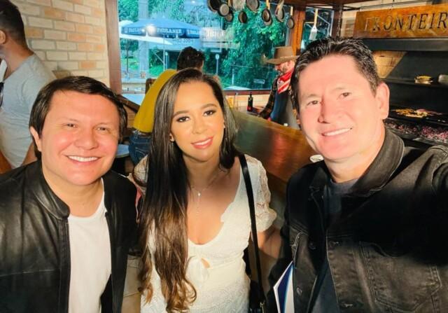 Marcilia Luzbet com a dupla Gian e Giovani